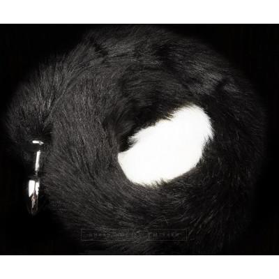 Серебристая анальная пробка с черным хвостом